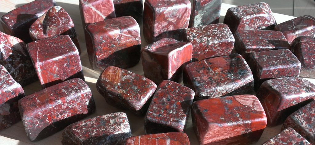 Red jasper pieces